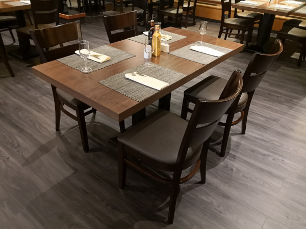 1+4 Restaurant Set Grace 120x80 Walnuss Hotel Bistro Tisch Stühle Gastronomie Möbel